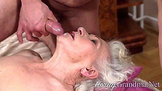 Old lady pussy licked