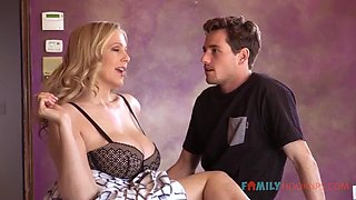 Seducing step mom with stories