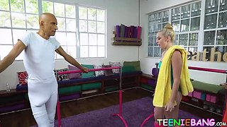 Fitness teenie fucked by personal trainers monstrous cock