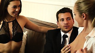 LOS CONSOLADORES - Hot threesome for French Tiffany Doll