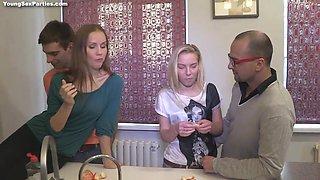 Skinny Teen Girls Foursome Porn Video