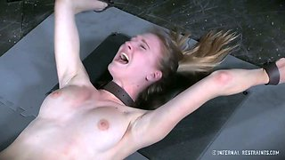Horny master stimulates her wet cunt with vibrator and makes it exhausted with orgasm