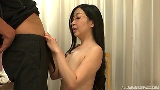 Long haired Japanese MILF Akiyama Miho gets cum after a blowjob