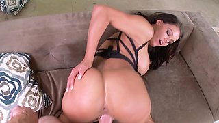 Brunette mistress with awesome forms hypnotizes her partner