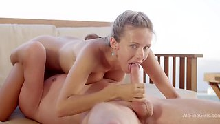 Horny 18yo Girl Blowing And Copulate - High Definition - Tracy Smile