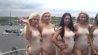Promo girls busty pokies