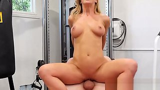 MILF with amazing assets fucked hard in gym