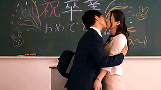Hot Japanese Babe Get Her Asian Pussy Licked And