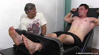 Amateur guy laughs and moans while an old guy pleasures him