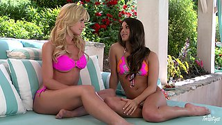 HOT best friends Angela Summers and Aspen Rae have lesbian sex