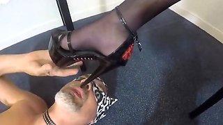 Foot slave to dom crossdresser