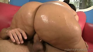 Mouth-watering hottie with fat booty likes it from behind