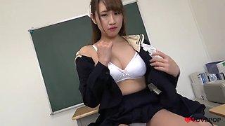 Sexy Japanese Schoolgirl upskirt