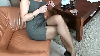 Mature nylon footjob 4