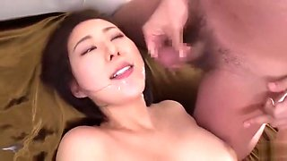 A Chinese college girl with glasses gets fucked0403