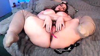 Curvy hairy girl masturbate in her kitchen
