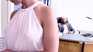 BUMS BUERO - Office sex with German secretary Izzy Mendosa