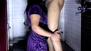 Big Boobs Wet Indian Girl Riding in Bathroom