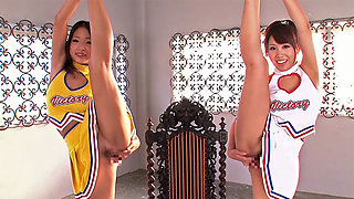 Very Flexible Cheerleader Pleasure Each Other - CosplayInJapan