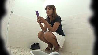 Asian toilet voyeur