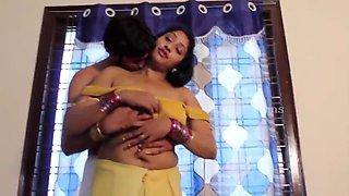 Indian aunty romantuic bed room scenes