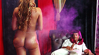 Brazzers – Charming His Snake