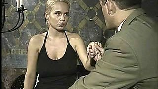 Italian babe does ass-to-mouth in this vintage clip