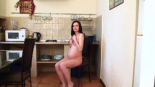 Pregnant Cindy Fingers Her Wet Pussy!