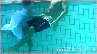 Femdom Handjob Underwater Seduction Darkhaired Babe