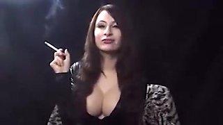 Uk babe dom  smoking