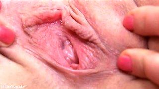 Tight 18yo Vagina Close_Up