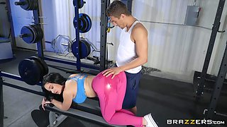 sexy gym babe gets fucked hard
