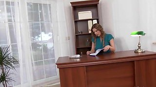 Sexy Blonde Office Assistant is Pissing On Her Boss
